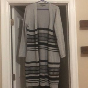 Long sweater gray and black